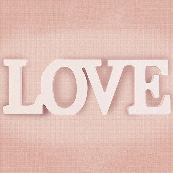 Mot LOVE en bois blanc