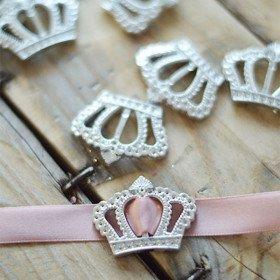 Boucle acrylique 12 couronnes princesse argent