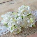 Fleur de dragée en ivoire et perles