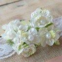 Tiges et fleurs artificielles décoratives